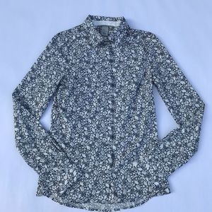 Tops - H&M Black and White Floral Button Up
